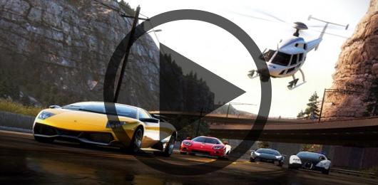 مسابقه تماشایی بالگرد با خودروهای در حال حرکت جاده